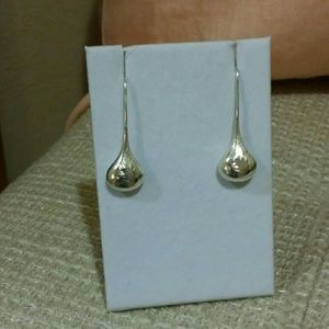 Jewelry - .925 Etched Floral Threader Earrings
